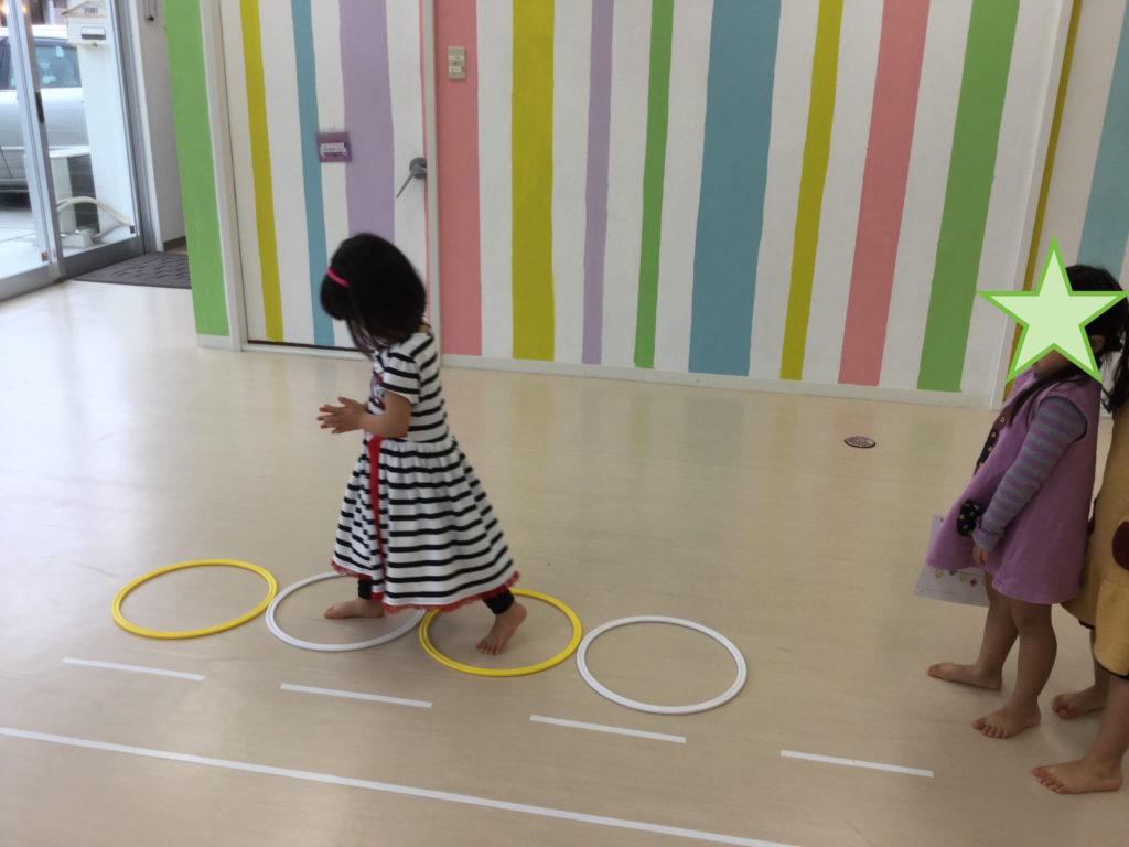 3歳児リズムステップ練習 女子
